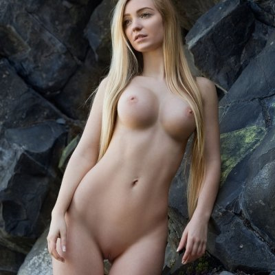 Blonde Acacia has the PERFECT nude girl body