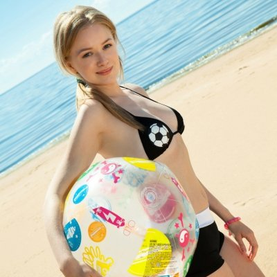 Lea a beautiful and sweet teen girl posing her nude young body at the beach