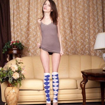 Young and SUPER cute teen girl Jemma nude on the couch