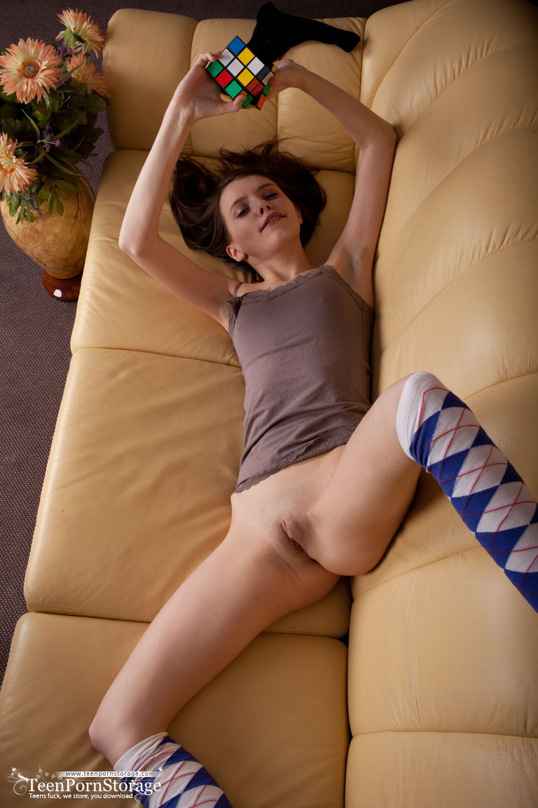 Young And Super Cute Teen Girl Jemma Nude On The Couch -8544