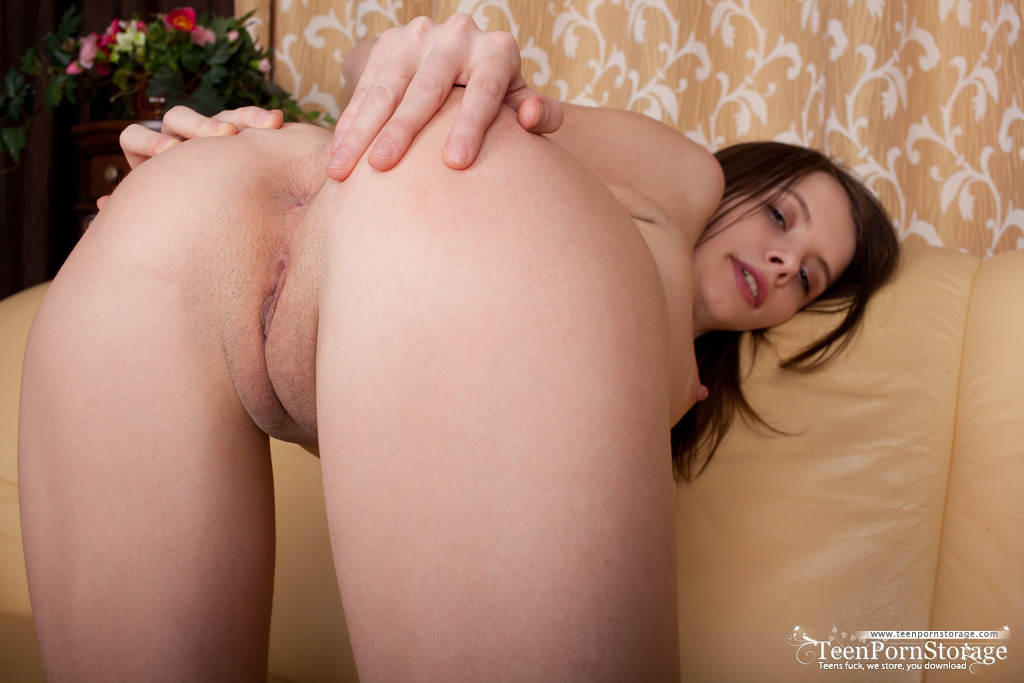 Young And Super Cute Teen Girl Jemma Nude On The Couch -7110