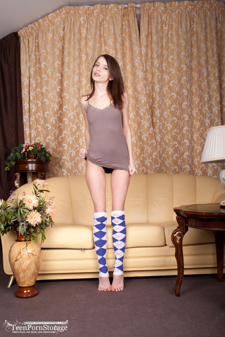 Young And Super Cute Teen Girl Jemma Nude On The Couch -2650