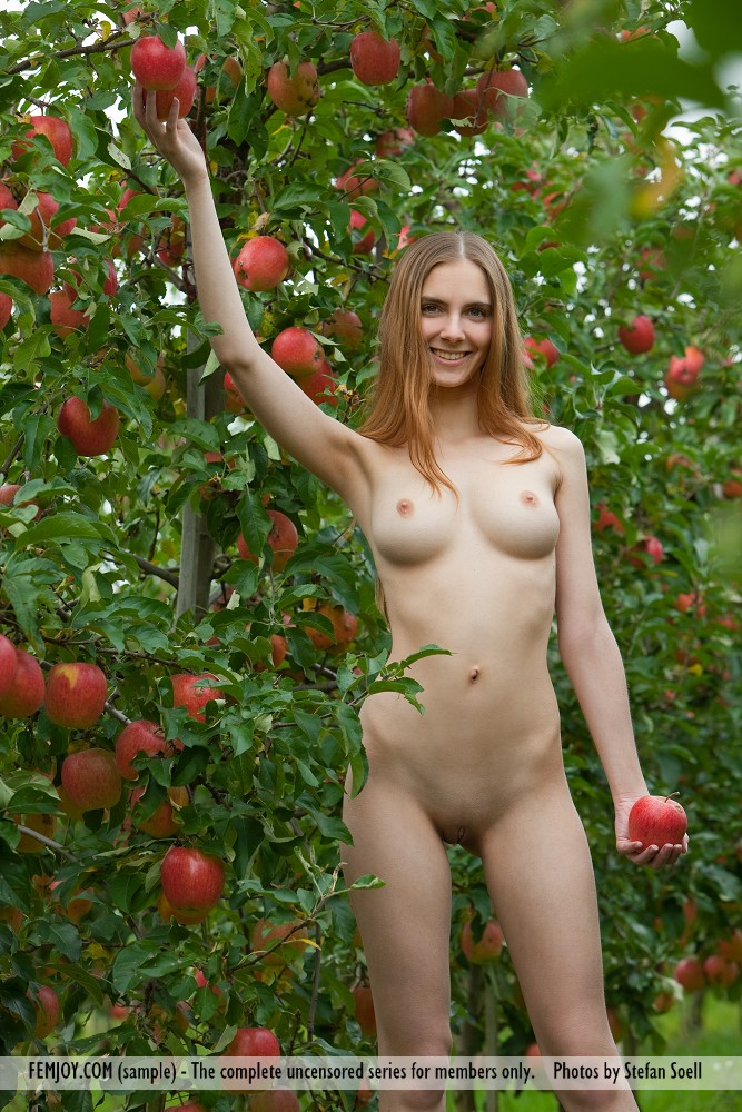 Beautiful German Girl Nude Mitzie - Stunnershqcom-9195